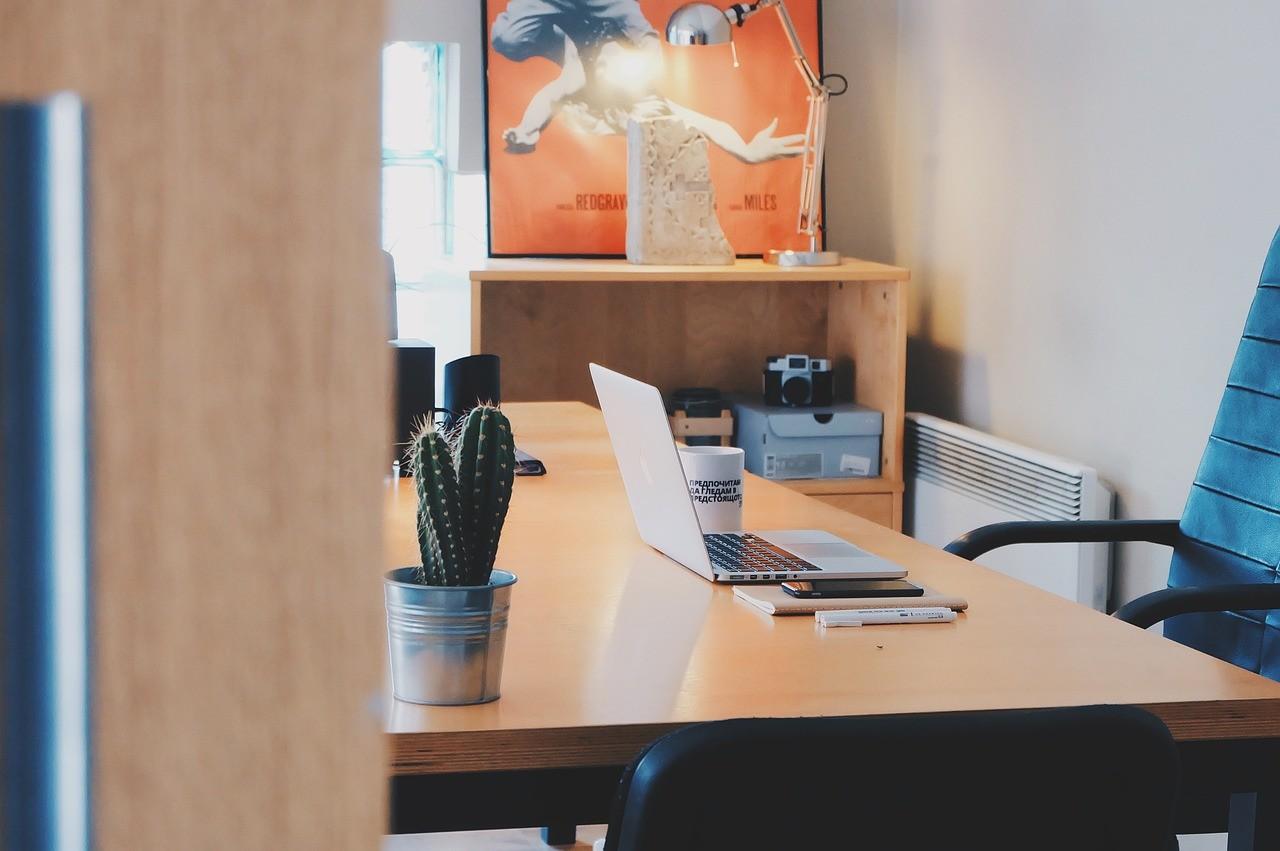 Arbeitszimmer bei mehreren Nutzern
